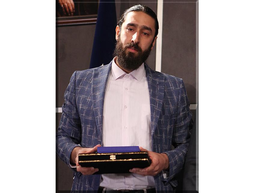 آقای حسام ابراهیمی (موبایل حسام)