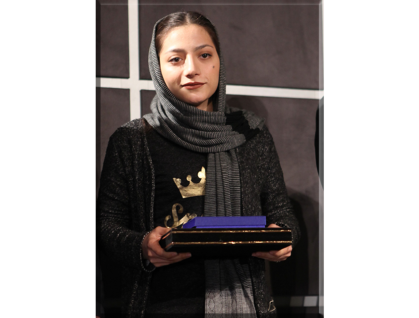 سرکار خانم مبینا ملک نژاد (سامتل)